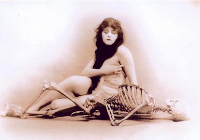 http://www.cobbles.com/simpp_archive/images/theda-skeletons.jpg